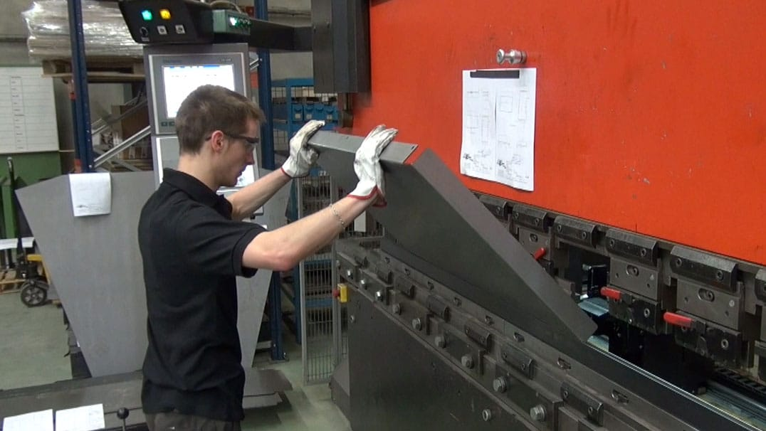 DMA, manufacturer of industrial machines is equipped with an AMADA folding machine