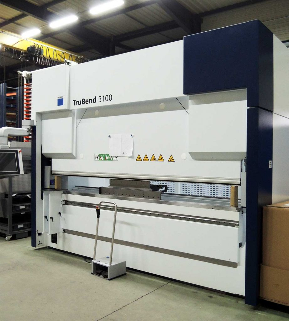New bending machine at DMA Group - In the space of a century, industrial boilermaking has undergone a major transformation
